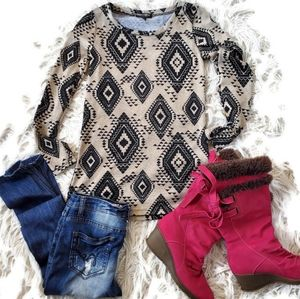 ⚡About a girl LA Long Sleeve Aztec Print Tunic Top